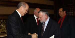 OU Executive Vice President Allen I. Fagin greets Turkish President Recep Tayyip Erdogan. Photo: Avi Hayun