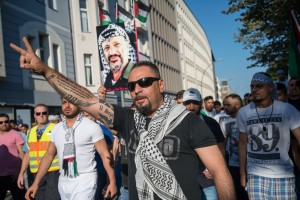 On July 17, 2014, around 1,000 pro-Palestinian people came together in Berlin to protest a pro-Israel rally. Photo: Wikimedia commons/Boris Niehaus