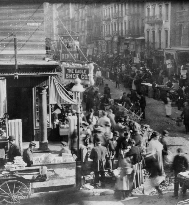 Sunday morning crowds fill the market at Orchard and Rivington in New York City, 1915. Courtesy of the Library of Congress, Prints and Photographs Division